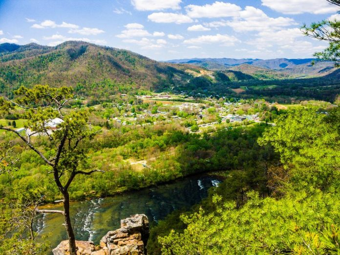 Top 10 things to do in Hot Springs, North Carolina